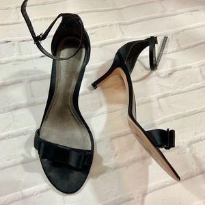 Ann taylor made in Brazil satin bow heel